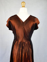 Load image into Gallery viewer, Amazing Late 1940s Bronze Iridescent Dress With Bow