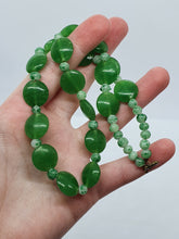 Load image into Gallery viewer, 1930s Beautiful Jade Green Glass Necklace