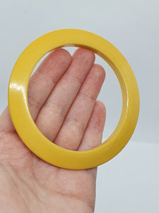 1940s Flat Cut Sunshine Yellow Bakelite Bangle