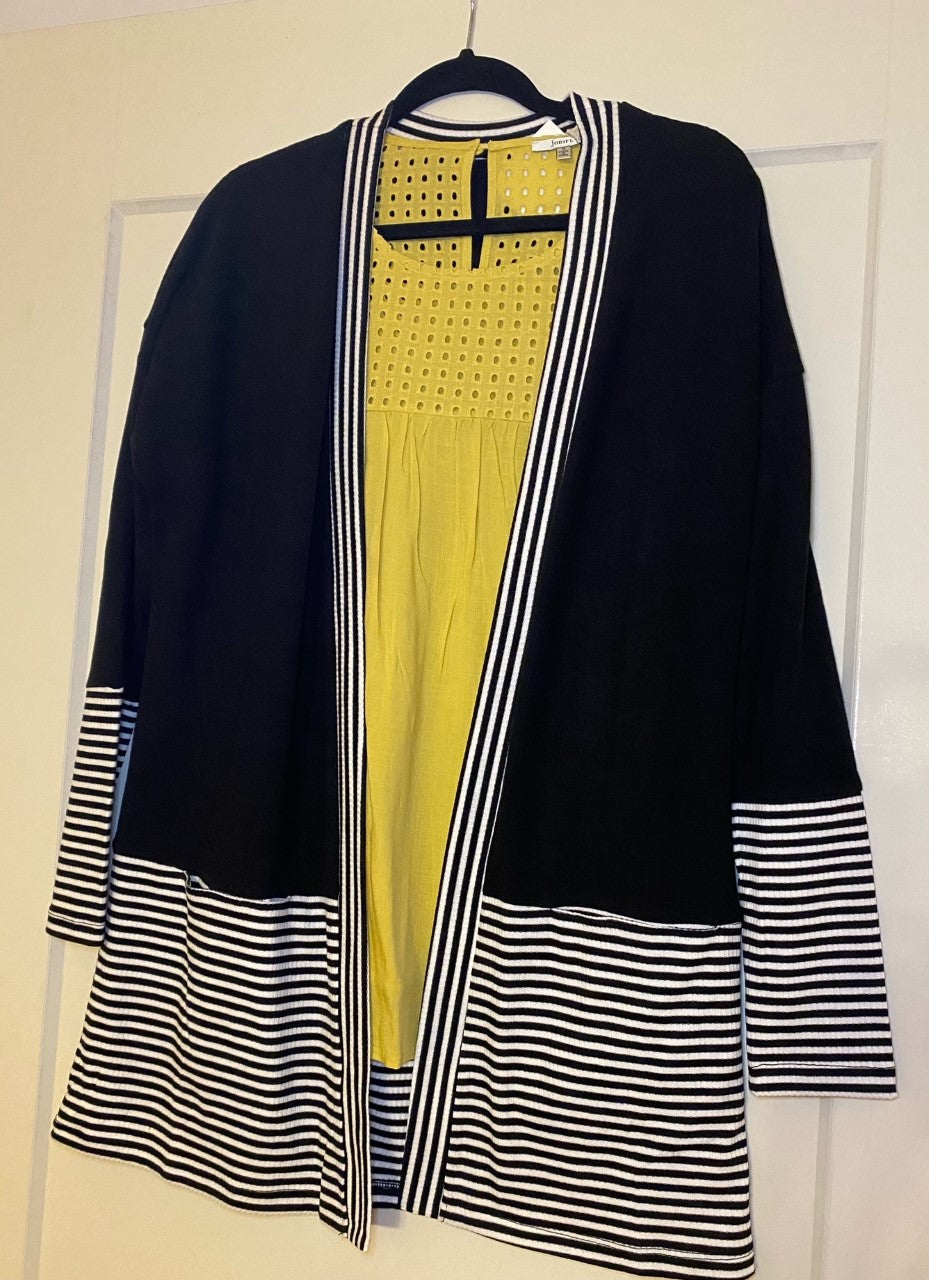 Cardigan with stripe contrast