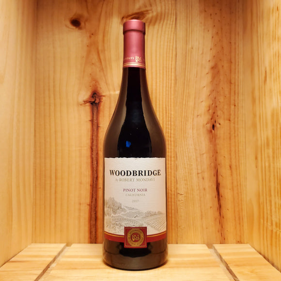 Woodbridge Pinot Noir (750ml / 1.5L)
