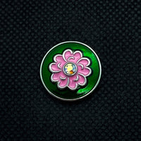 18mm Snap Pink Enamel Flower on Green Background
