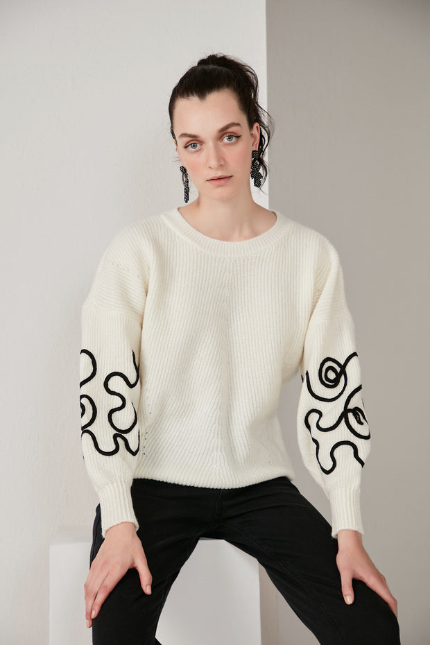 Oversize Knitted Sweater with Embroidered long sleeves in White/Ecru - jqwholesale.com