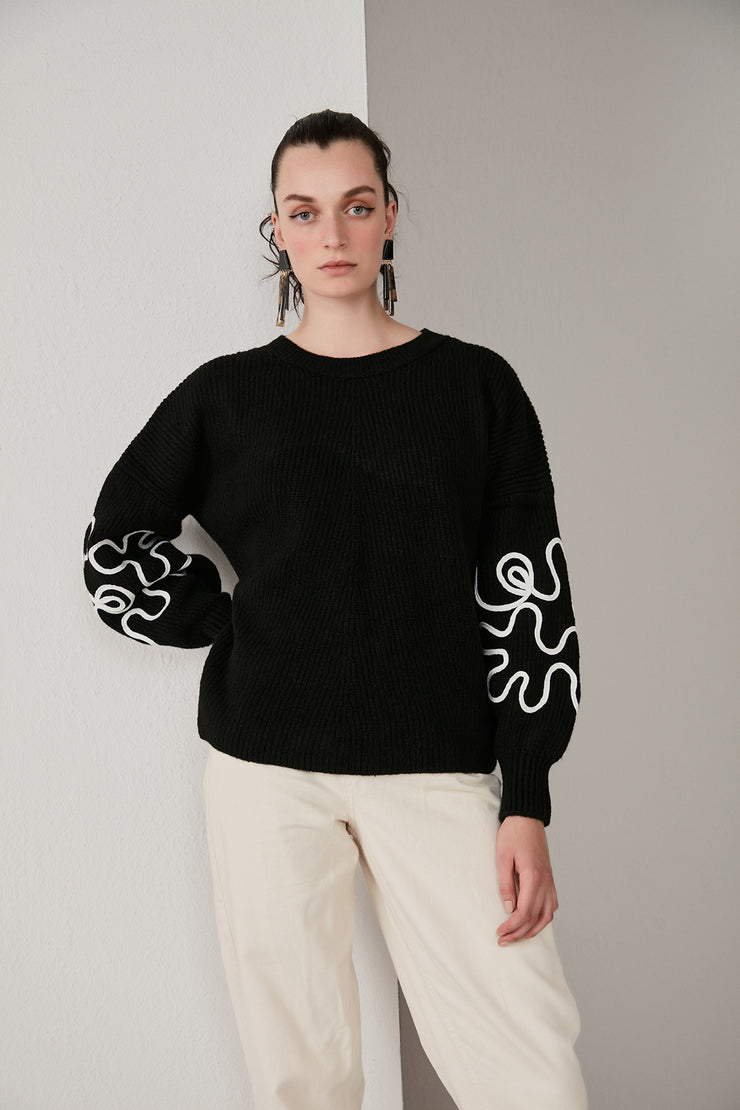 Oversize Knitted Sweater with Embroidered long sleeves in Black - jqwholesale.com