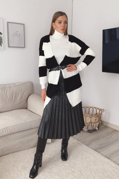 Longline Knitted Colour block cardigan in Black/Ecru colour - jqwholesale.com