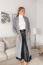 Longline Knitted cardigan with pockets in Grey - jqwholesale.com
