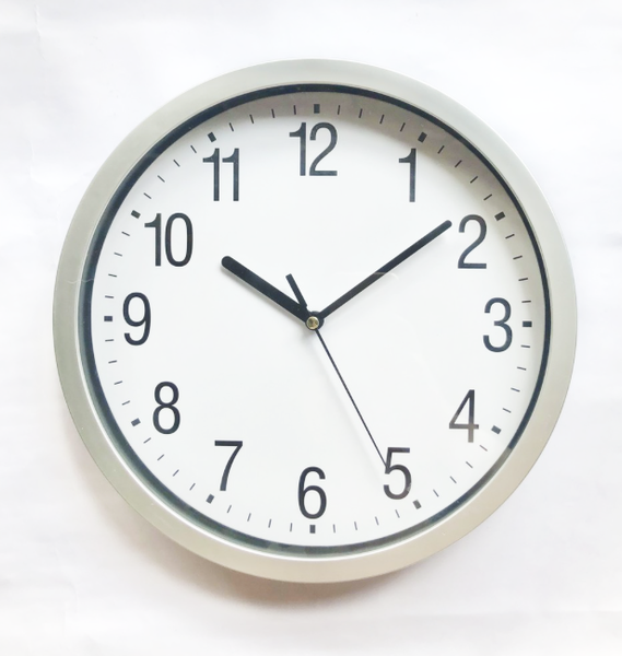 Quartz 2A Classic Wall Clock Silent Non-Ticking Modern Home Decoration Normal Size