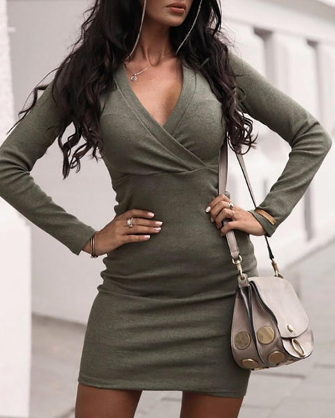 Solid V-Neck Long Sleeve Ruched Bodycon Dress