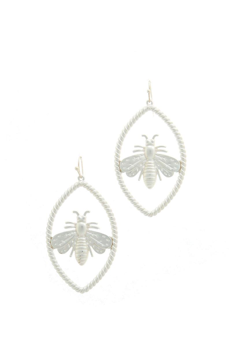 Trendy Bee Oval Earring