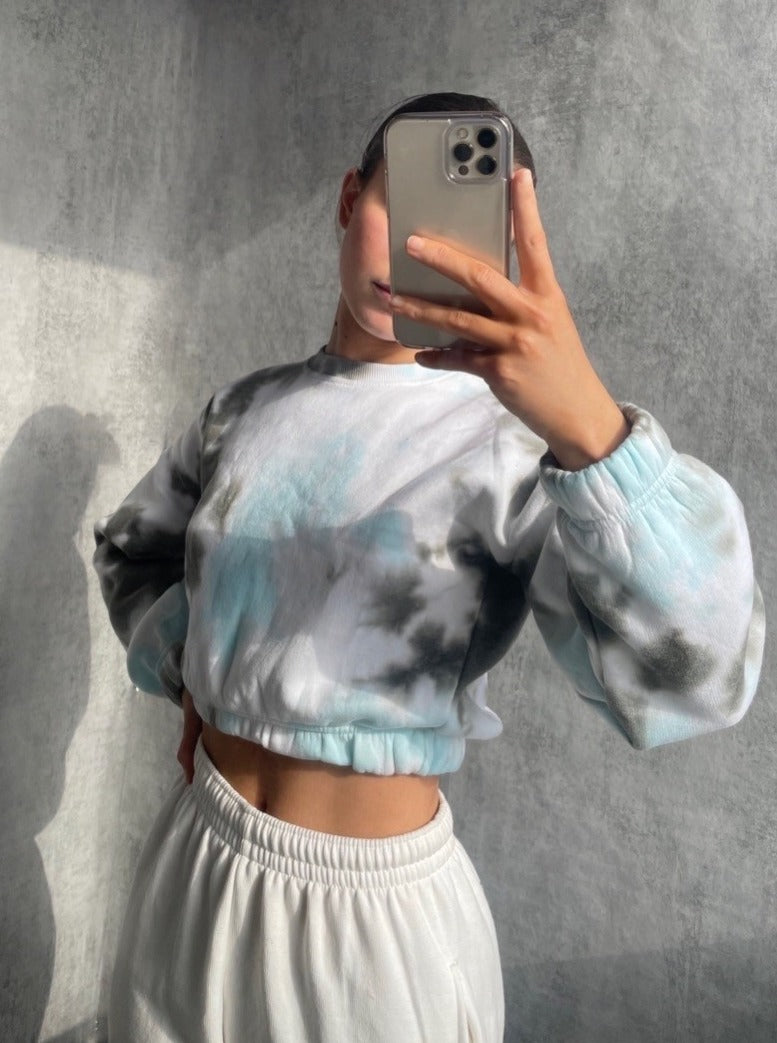 Jovi Cropped Tie Dye Sweater in Bluebird