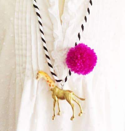 Giraffe Pompom Necklace - Fruit of the Vine