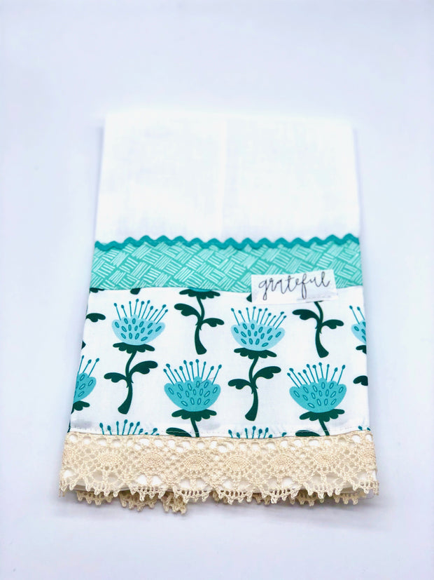 Inspirational Linen Guest Towels - Fruit of the Vine