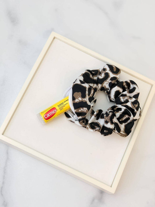 Hidden Pocket Scrunchie in Leopard