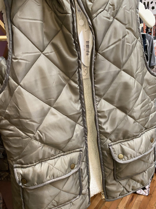 Duncan Sherpa Vest in Olive | Mud Pie | Fruit of the Vine Boutique