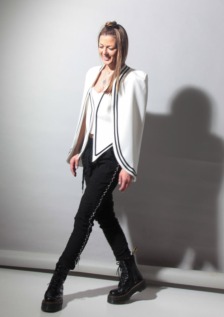 Mode Trends 2020: Black and White Look 1