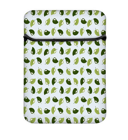 Snoogg Multicolor Leaves Laptop Case Flip Sleeve Pouch Computer Cover