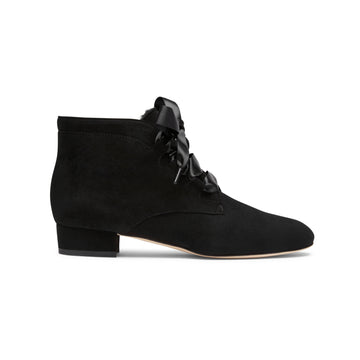 Black suede shoes: low-heel ankle boots Alexis Isabel