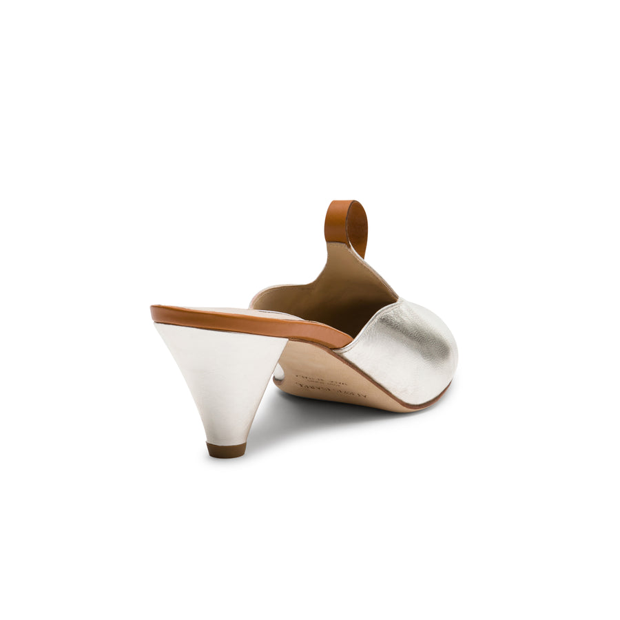 Bridal mules for your wedding day: Amata Gold