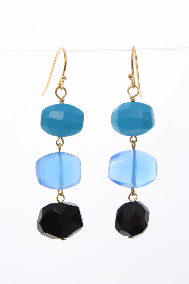 AV Max Semi Stacked Earring Black Blue