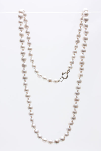 Village Vogue silver freshwater pearl necklace.