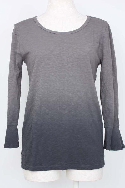 Mododoc 3/4 Bell Sleeve Ombre Dye Top in charcoal.