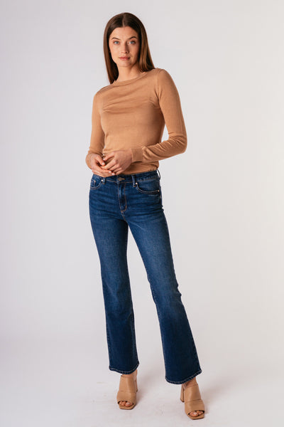 Tractr Jeans Bootcut, mid rise Jeans Indigo. Village Vogue.