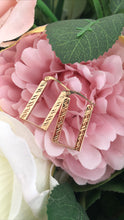 Load image into Gallery viewer, Yellow gold rectangle earrings