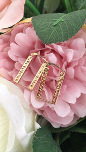 Yellow gold rectangle earrings