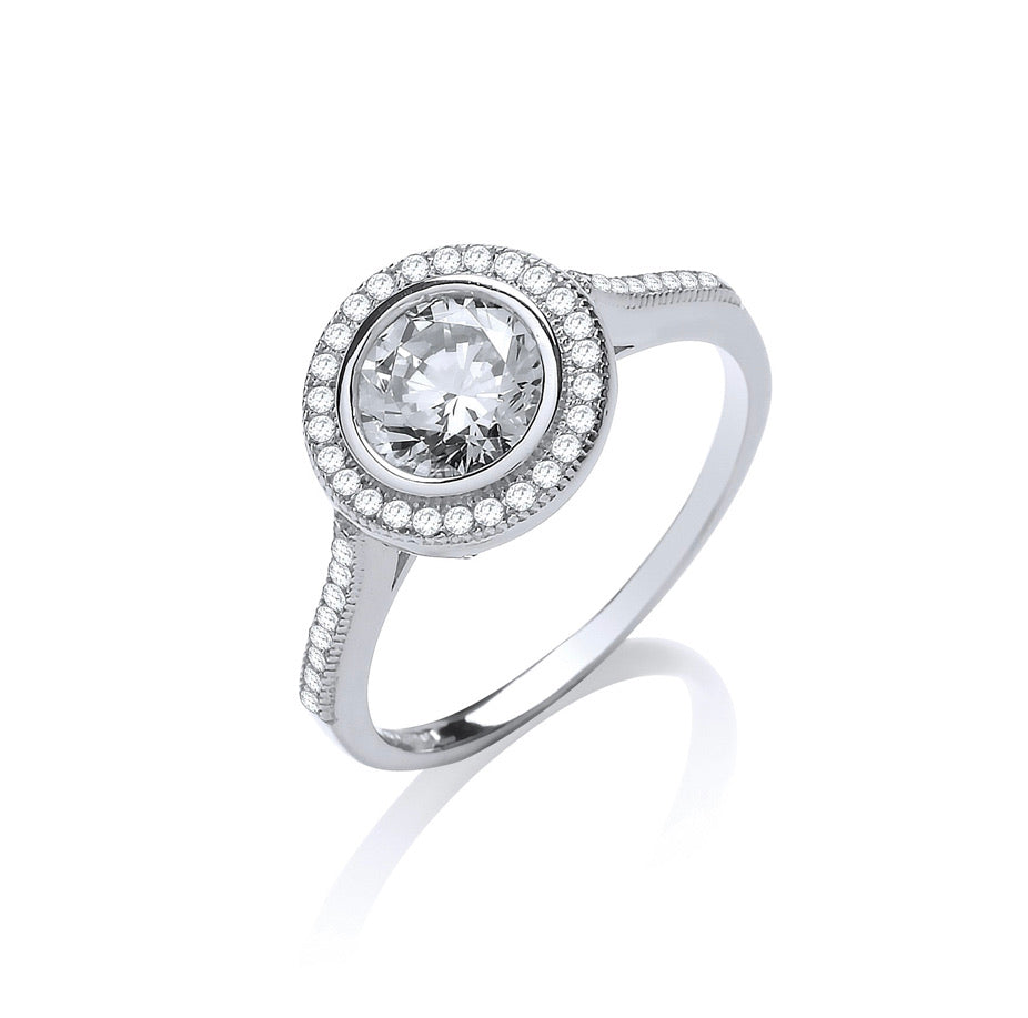 W/G Halo Style Solitaire Cz Ladies Ring