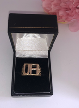 Load image into Gallery viewer, Bespoke Inital ring 9ct gold