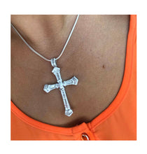 Load image into Gallery viewer, Rosa Cross pendant