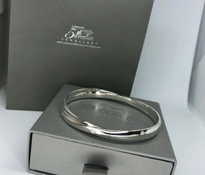 Solid silver Cubic zirconia Kiss Bangle