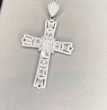 Load image into Gallery viewer, The Alessia Cross pendant