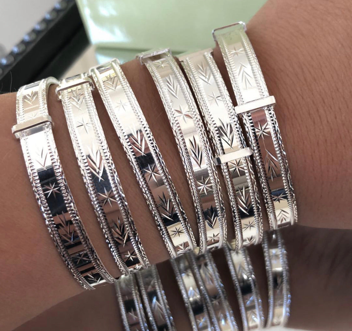 Woman's Silver Expandable Gypsy bangles - London Fifth Avenue jewellery