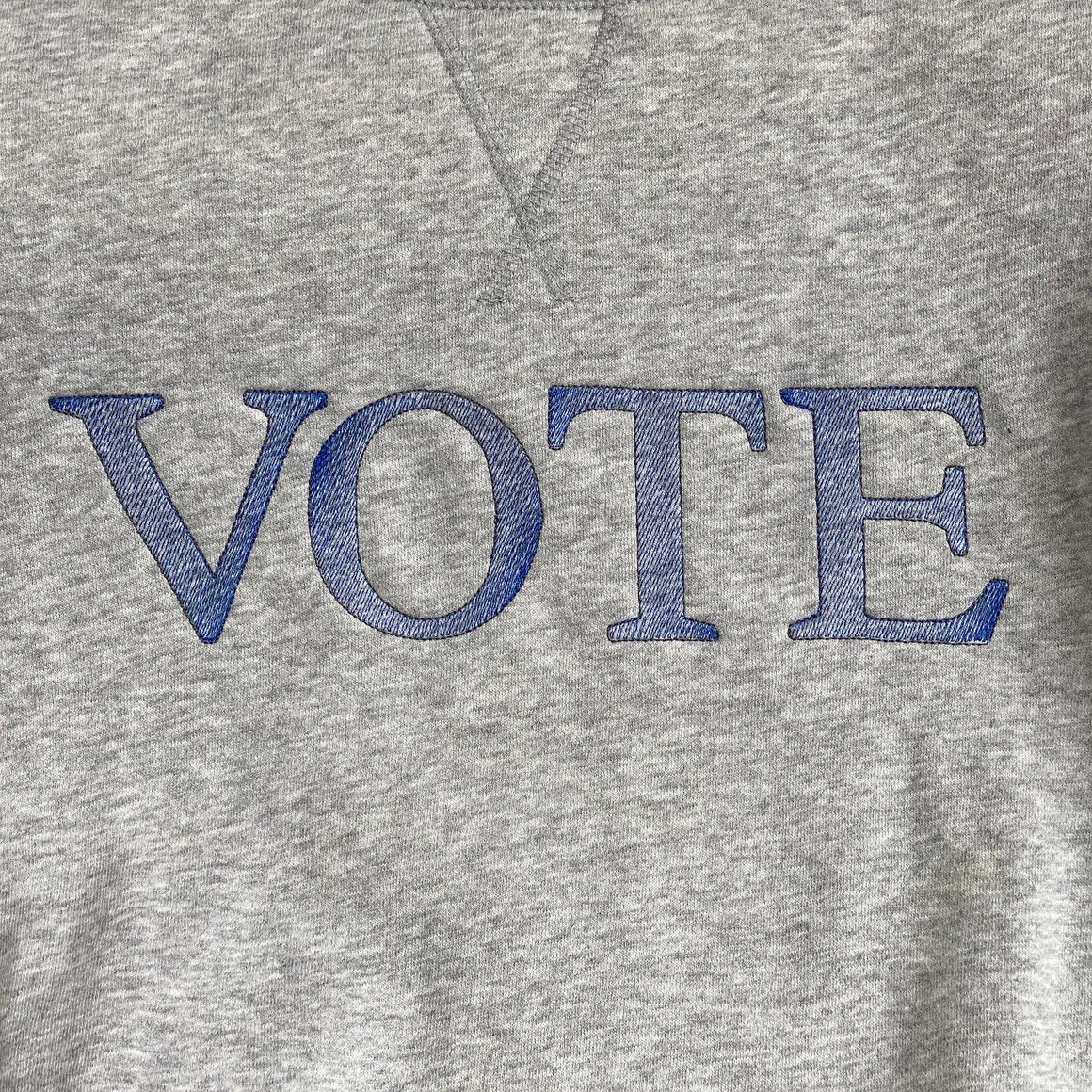 VOTE thumb hole crewneck sweatshirt