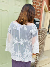 Roses on Lace Tie Front Kimono
