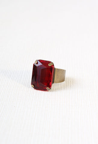 Vintage Glamour Ring in Ruby