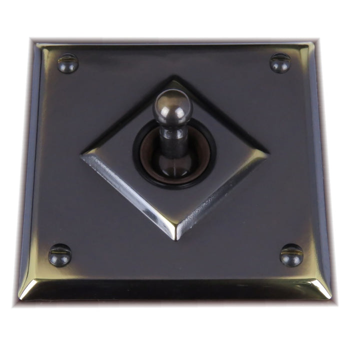 Classic 10 Series 15a Toggle Switch