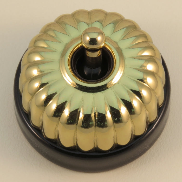 Classic 20 Series Intermediate Toggle Switch With Fluted Cover And Porcelain Base