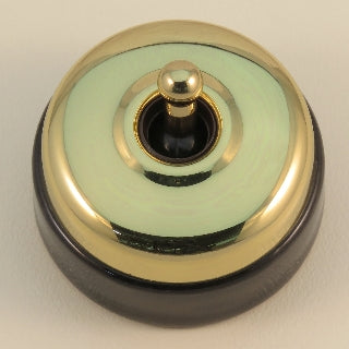 Classic 30 Series 15a Toggle Switch With Smooth Shallow Cover And Porcelain Base