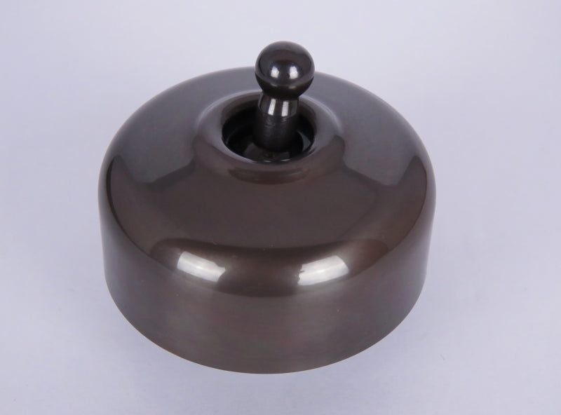Classic 55 Series Intermediate Toggle Switch With Smooth Deep Covers