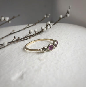 Multi coloured pink sapphire ring - yellow gold, white gold