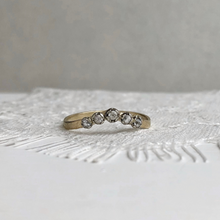 Load image into Gallery viewer, Constance - Curved wedding band