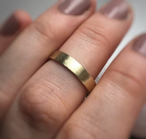 Yellow gold - 4mm - Rustic wedding band