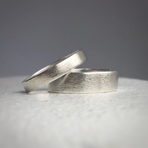 4mm and 6mm widths- Rustic wedding band set - Wedding bands his and hers - Wedding bands - Handcrafted in ethically sourced sterling silver - Men's wedding bands.