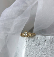 Load image into Gallery viewer, Joan - white sapphire - yellow gold