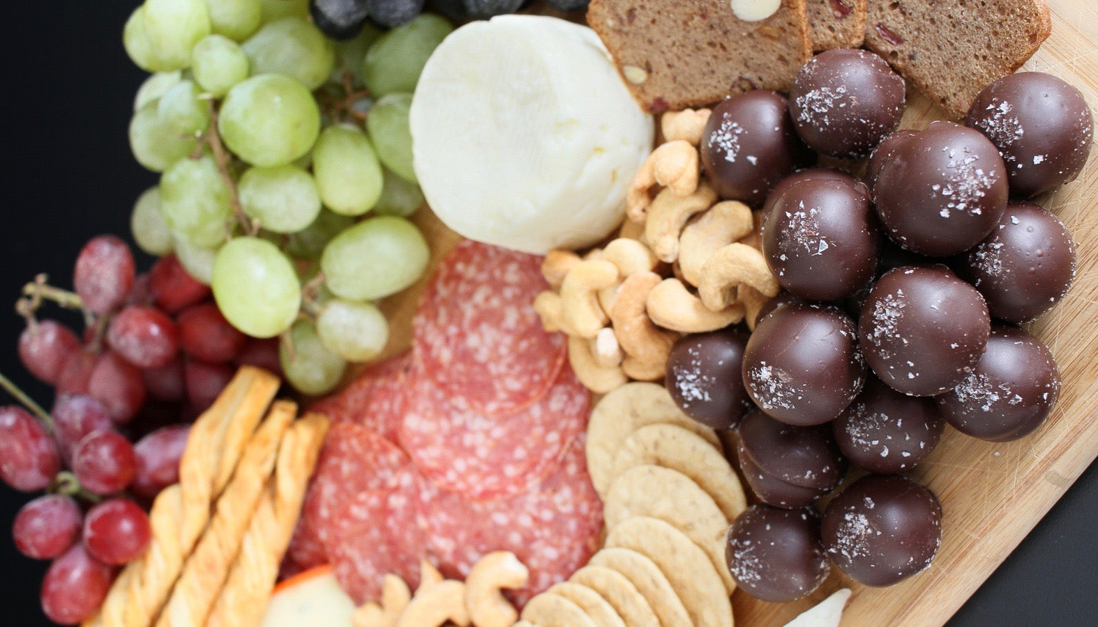 charcuterie board ideas from That's it.