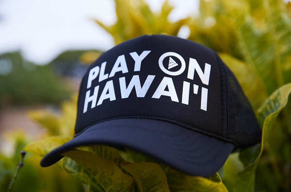 Play On Hawai'i Adult Trucker Hat Black/White