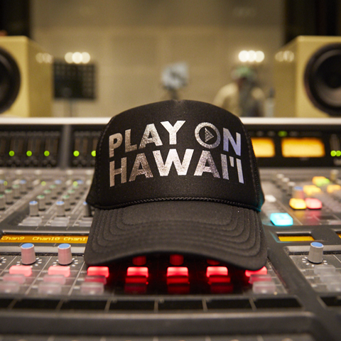 Play On Hawaii Adult Trucker Hat Black/Silver