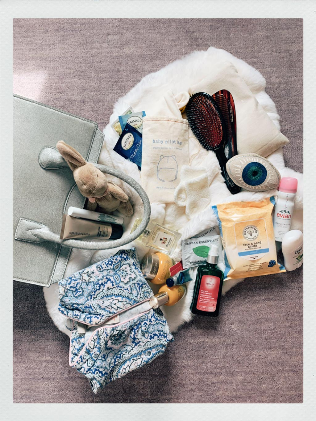 Olympia Thomson - What's In My Bag